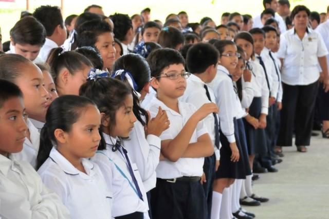 Regresan más de 27.5 millones de alumnos a clases