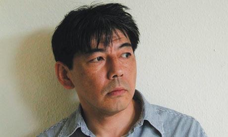 Satoshi Kitamura da brincos e ilustra historias