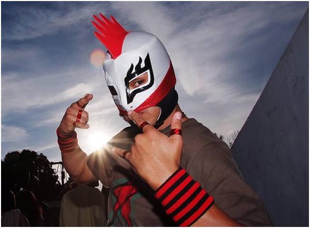 Luchador contra el bullying premidado por la UNAM