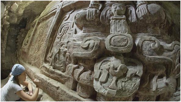 Maravilloso descubrimiento dentro de una tumba maya
