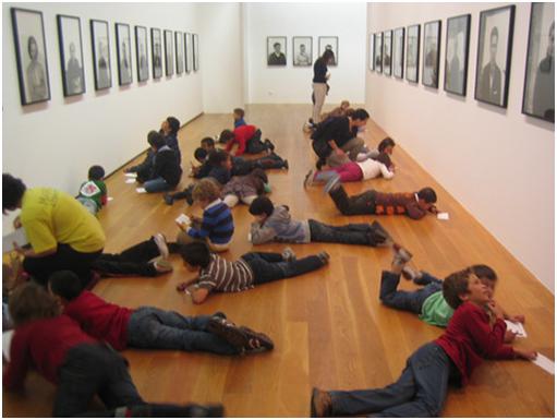 Animar la curiosidad en los niños por medio del arte sí funciona